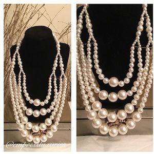 Jewelry - Big Pearl Statement✨✨